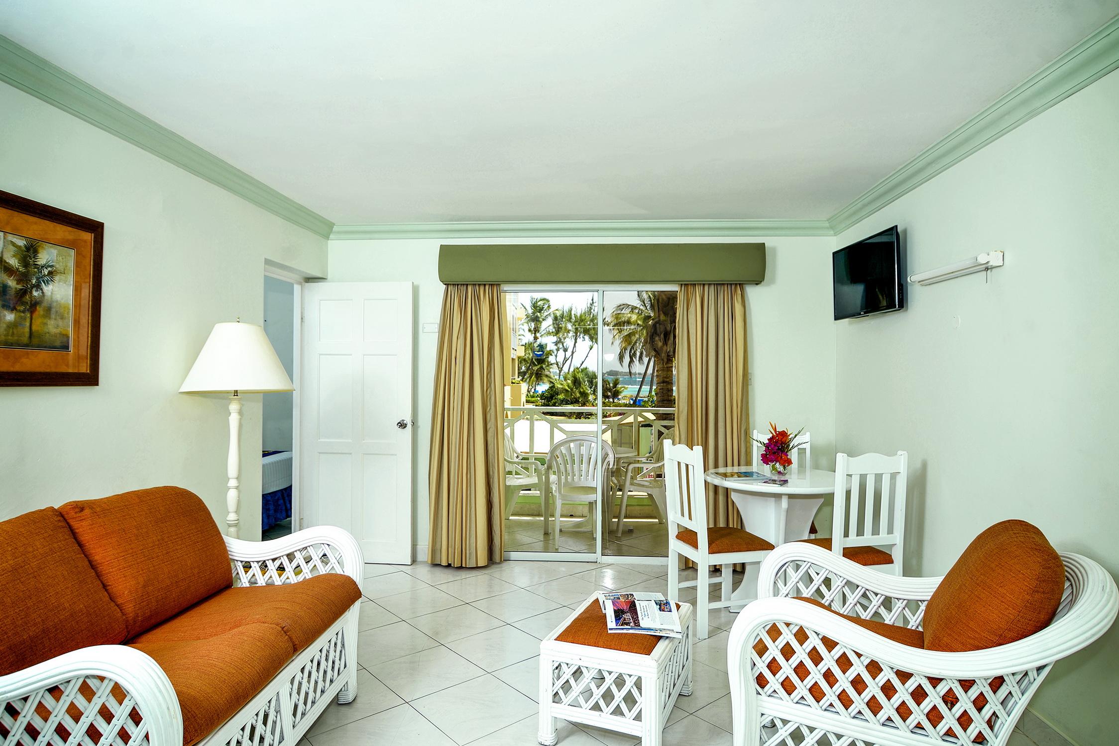 02-one-bedroom-ocean-view-3_resize